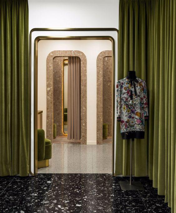 ผ้าม่านกั้นห้องสีเขียว