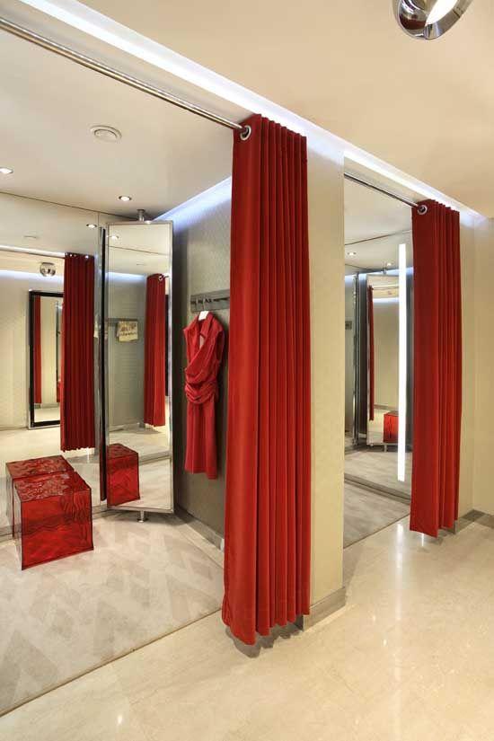 ผ้าม่านกั้นห้องแต่งตัวสีแดงสด
